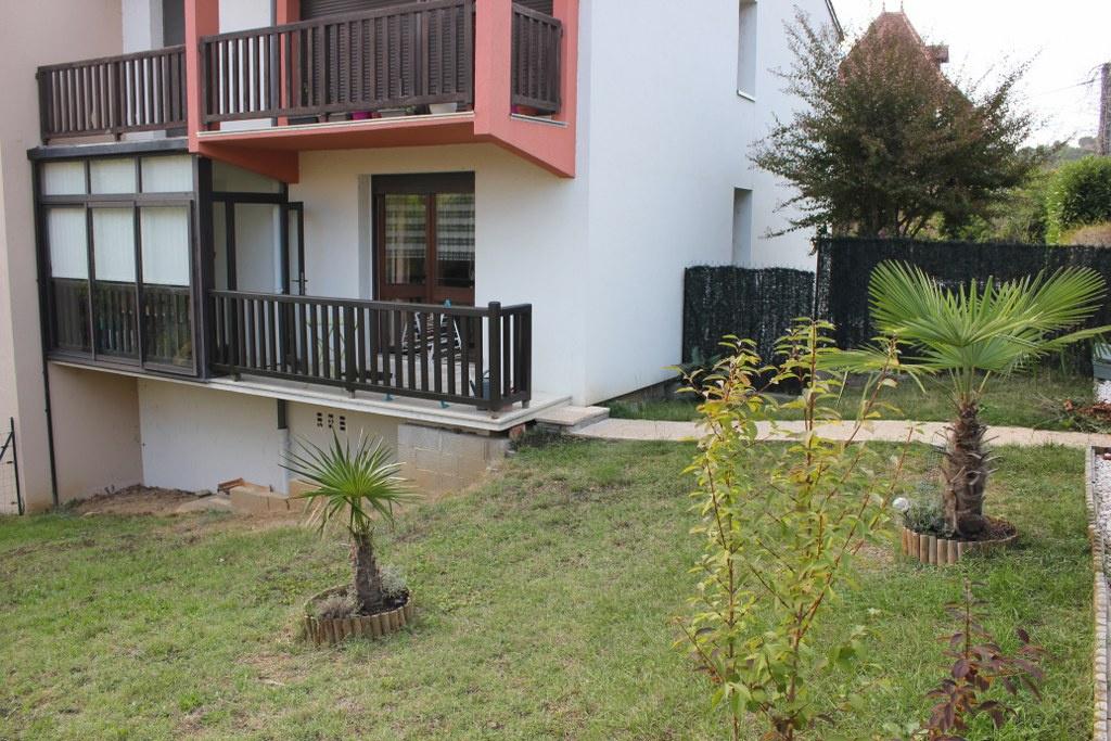 Vente Appartement APPARTEMENT AVEC JARDIN, PARKING et CAVE  à St cere
